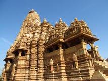Khajuraho świątyni grupa zabytki w India z erotykiem rzeźbi na ścianie Obraz Royalty Free