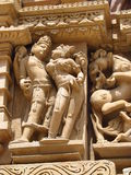 Khajuraho-Tempel-Gruppe Monumente in IndiaSandstone-Skulpturen in der Khajuraho-Tempel-Gruppe Monumenten in Indien Lizenzfreie Stockfotografie