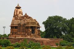 Khajuraho tempel och deras erotiska skulpturer, Indien Arkivfoto