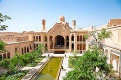 Khan-e Borujerdi historiskt gammalt hus, Kashan, Iran Royaltyfri Bild