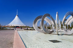 Khan Shatyr ist ein riesiges transparentes Zelt in Astana Stockfoto