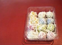 Khanom汤姆-泰国煮沸的甜点 免版税库存图片