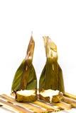 Khanom gräsmark-Sai, ångat mjöl med kokosnötfyllning Royaltyfria Bilder