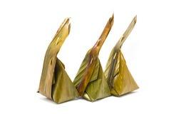 Khanom gräsmark-Sai, ångat mjöl med kokosnötfyllning Arkivfoto
