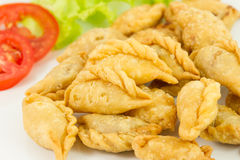 Khanom Pun Klib Tord (Deep fried stuffed miced Chicken wrapped i Royalty Free Stock Photos