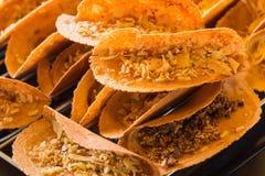 Khanom thailändska Beaung som är thailändsk, eller en sort av fylld thailändsk mat för pannkaka eller Fotografering för Bildbyråer