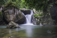 Khao chamao Wasserfall Stockbilder