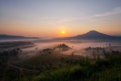 Khao Kor早晨薄雾Phetchabun,泰国 免版税库存图片