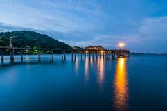 Khao Laem Ya国家公园的暮色海 免版税图库摄影