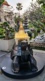 Khao MES es un pequeño modelo de la montaña a construido con la piedra imagenes de archivo