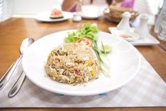 Khao phat pu,炒饭用蟹肉银器水 免版税库存图片