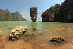 Khao Phing Kan James Bond ö på en solig dag, Phang Nga, Th Arkivbilder