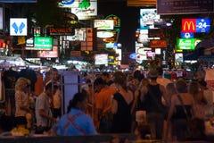 Khao San väg. Bangkok Thailand Royaltyfri Fotografi