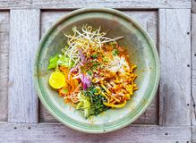 Khao Soi Recipe, Noordelijke Met kerrie gekruide Noedelsoep met Kip van Th stock fotografie