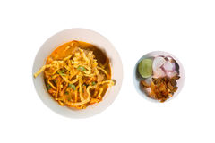 Khao Soi Recipe, sopa de fideos al curry del estilo septentrional con el pollo Fotos de archivo