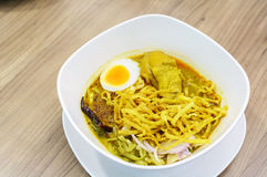 Khao soi Thai Crispy Noodle chicken curry Stock Images