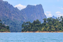 Khao sok park, mountain and lake Royalty Free Stock Photography