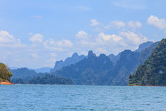 Khao sok park, mountain and lake Royalty Free Stock Photos