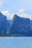 Khao sok park, mountain and lake Stock Photography