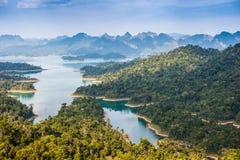 Khao soknationalpark på suratthanien, Thailand Arkivbild