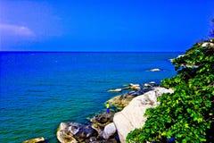 Khao takiab. The green sea, the green tree, the sky is blue Royalty Free Stock Photography