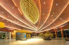 KHAOLAK, THAÏLANDE - 1ER NOVEMBRE : Lobby du SENTIDO Graceland Khao Photographie stock