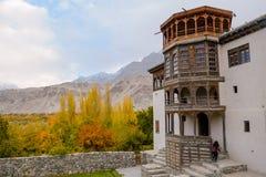 Khaplu-Palast im Herbst stockbilder