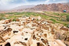 Kharanaq - дезертированное село грязь-кирпича, Иран Стоковое фото RF