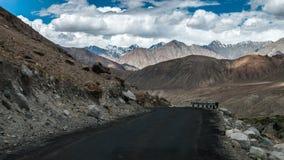 Khardungla Durchlauf Lizenzfreies Stockfoto
