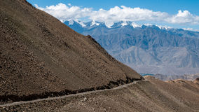 Khardungla Durchlauf Lizenzfreies Stockbild