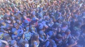 "Kharkiv, Ουκρανία - 18 Ιουνίου 2017: κεραία Ï""Î¿Ï… ζωηρόχρωμου πλήθους στο φεστιβ απόθεμα βίντεο"