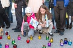 KHARKIV, DE OEKRAÏNE - MEI 18: Een vergadering in geheugen van slachtoffers van de volkerenmoord van Krimtatars Royalty-vrije Stock Foto's