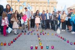 KHARKIV, UCRÂNIA - 18 DE MAIO: Uma reunião na memória das vítimas do genocídio de Tatars crimeanos Fotos de Stock