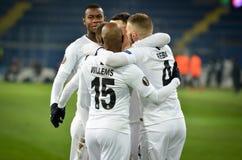 KHARKIV, UCRÂNIA - 14 de fevereiro de 2019: O jogador do Eintracht Frankfurt comemora o objetivo marcado durante o fósforo do UEF imagem de stock royalty free