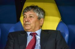 KHARKIV, UCRÂNIA - 2 de setembro de 2017: Duri de Mircea Lucescu do treinador Fotografia de Stock