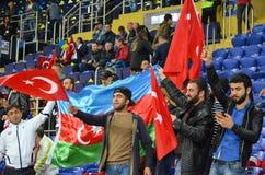 KHARKIV UKRAINA - September 02, 2017: Fans av landslaget Arkivfoton