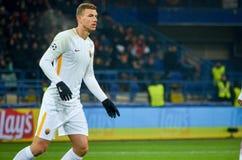 KHARKIV, UKRAINE - 21 FÉVRIER 2018 : Edin Dzeko pendant l'UEFA Cha images stock