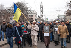 KHARKOV UKRAINA - mars 2, 2014: Anti--Putin demonstration i Kh Arkivfoto