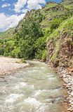 Khasaut-Fluss im Tal Narzanov Die Republik von Kabardino-Balkarien, Russland Lizenzfreies Stockbild