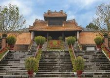 Kheim Cung Gate, voor Tet 2019, Turkije Duc Royal Tomb, Tint, Vietnam prachtig wordt verfraaid dat stock fotografie