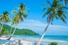 Khem wyrzucać na brzeg - dziką plażę w Phu Quoc wyspie Wietnam fotografia stock