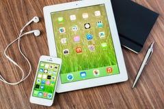KHERSON, ΟΥΚΡΑΝΙΑ - 11 ΝΟΕΜΒΡΊΟΥ 2014: Apple Στοκ εικόνα με δικαίωμα ελεύθερης χρήσης