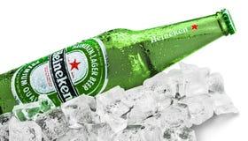KHERSON UKRAINA, LISTOPAD, - 11, 2014: Heineken obrazy stock