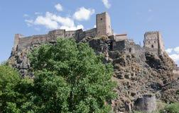 Khertvisi è una fortezza medievale situata sull'alta Banca del fiume di Mtkvari nella Georgia del sud Fotografia Stock Libera da Diritti