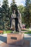 Khimki,俄罗斯9月03日 2016年 圣皮特圣徒・彼得和Fevronia的纪念碑 免版税图库摄影