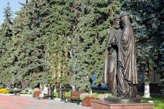 Khimki, Россия 3-ье сентября 2016 памятник St Peter и Fevronia Стоковое Фото