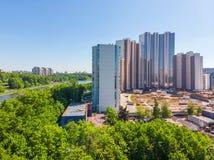 Khimki Rosja, Maj, - 18 2019 Widok Mayak mieszkaniowi kompleksy w budowie na bulwarze obrazy stock