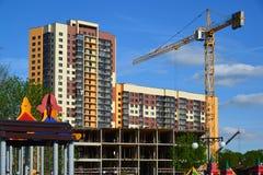 Khimki, Rusland - Mei 30 2017 Bouw van woningbouw in Levoberezie-district Stock Fotografie