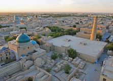 Khiva: vecchia città sul tramonto fotografia stock
