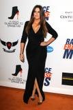 Khloe Kardashian llega la diecinueveavo raza anual para borrar gala del ms fotos de archivo